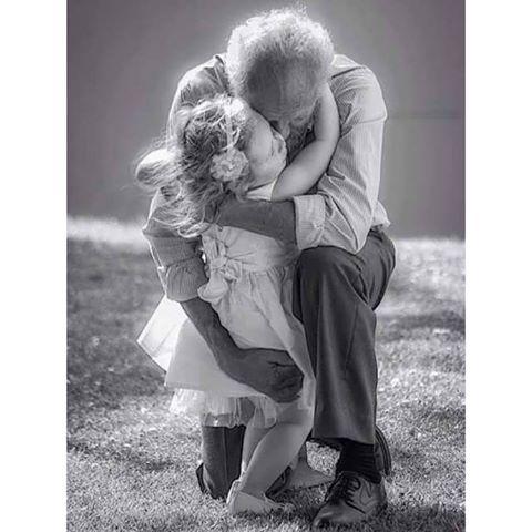I nonni non muoiono mai, diventano invisibili